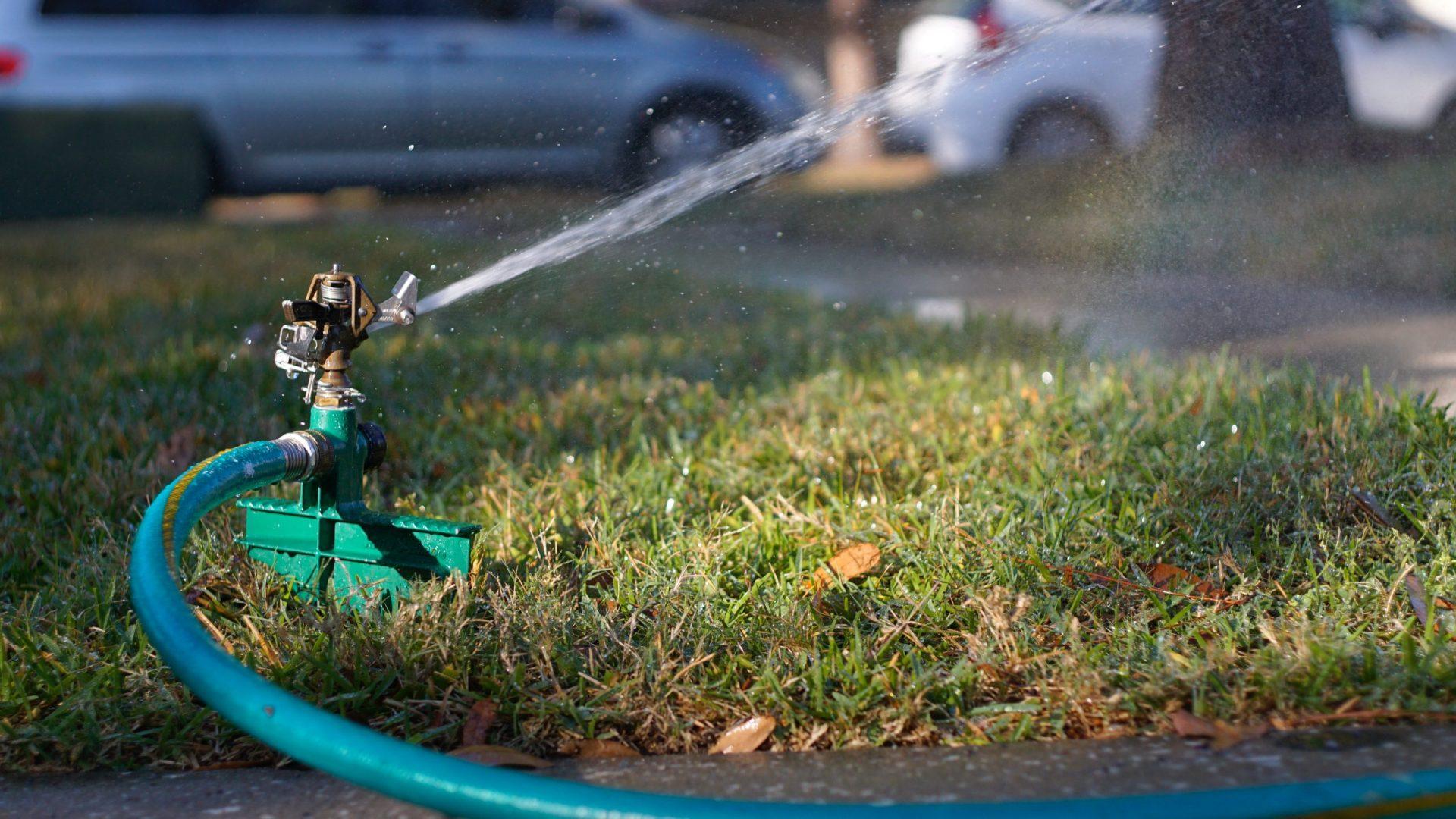 Best Sprinkler for Rectangular Lawn